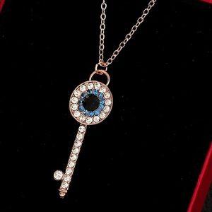NWOT Eye Shape Rhinestone Necklace